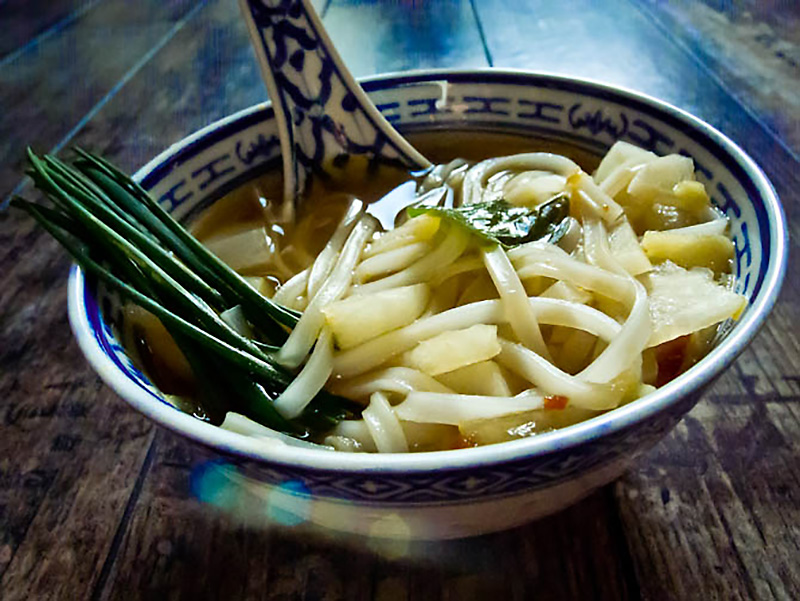One More Thai_tajska zupa z makaronem ryżowym