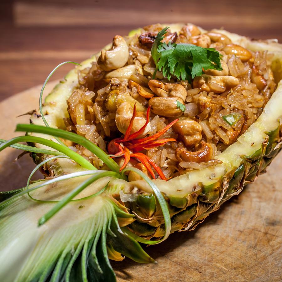 One More Thai - smażony ryż z orzechami nerkowca