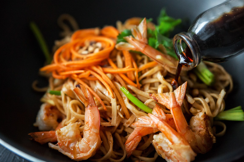 makaron potajsku zkrewetkami iorzechami ziemnymi one more thai 1b