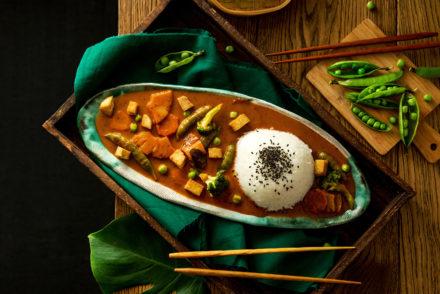 czerwone curry z tofu i warzywami